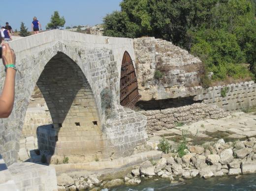 Alte Brücke auf dem Weg            ins Taurusgebirge