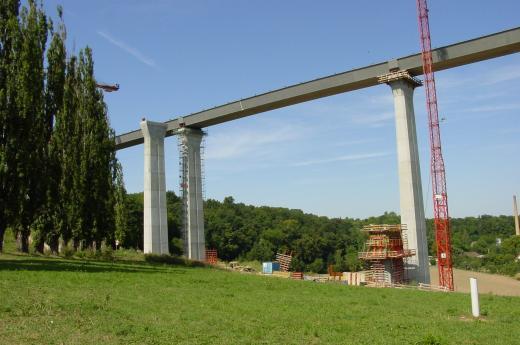 Autobahnbrücke im Bau-2003