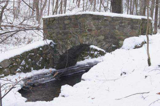 Historische Brücke im Trebnitzgrund