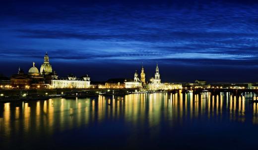 Nachtblau über Dresden