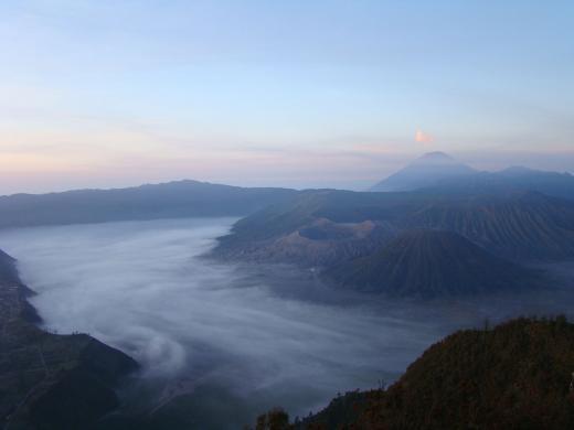 Morgendämmerung am Mount Bromo