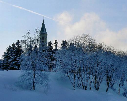 Die Kirche im Schnee